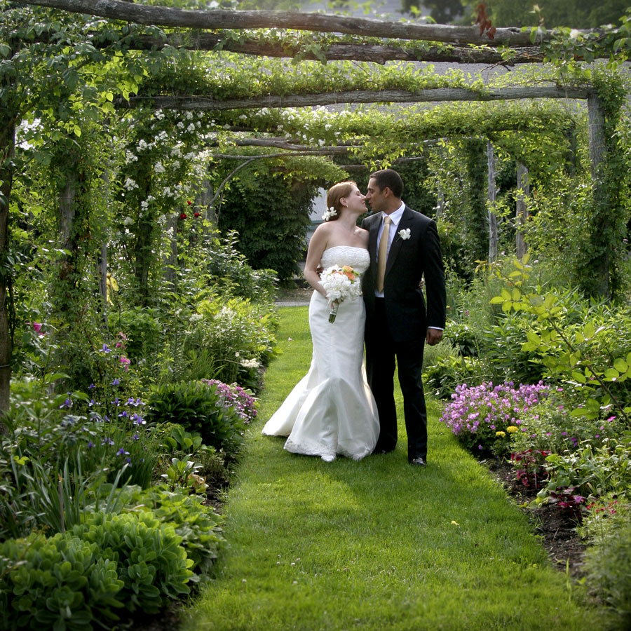 English Garden Wedding Ideas: Four Voices String Quartet